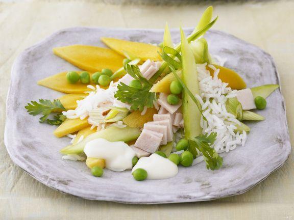 Reis-Erbsen-Salat mit Mango und Schinken