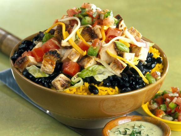 Reis mit Bohnen-Hähnchen-Salat