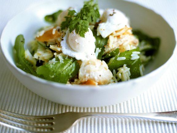 Reis mit Fisch, Spinat und Ei