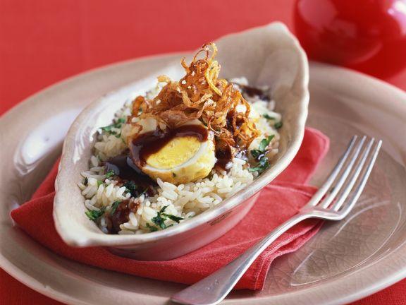 Reis mit frittiertem Ei