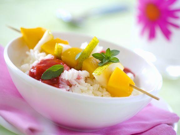 Reis mit Früchten