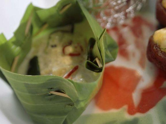 Reis mit Gemüse im Bananenblatt