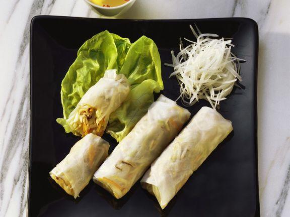 Reispapierröllchen mit Gemüsesüllung