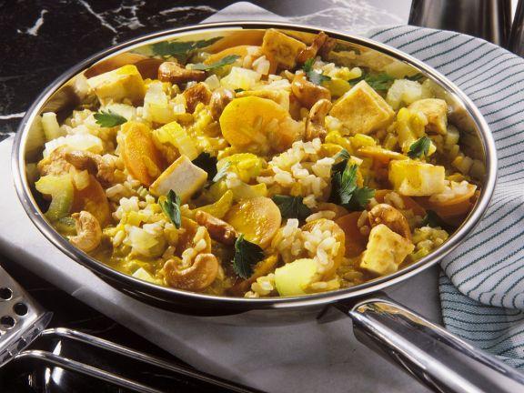 Reispfanne mit Gemüse und Tofu
