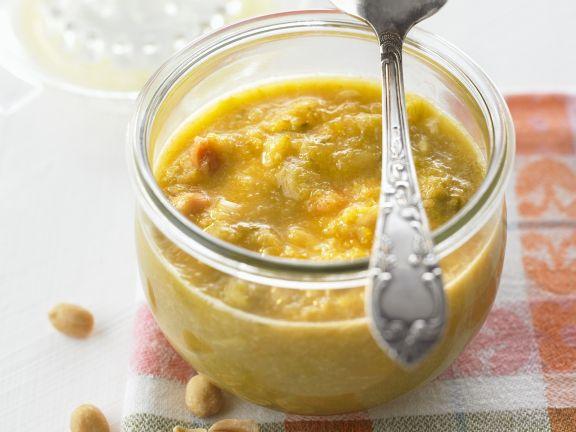 Relish mit Porree, Orangen und Erdnüssen