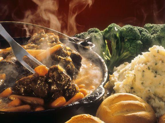 Rind mit Gemüse geschmort
