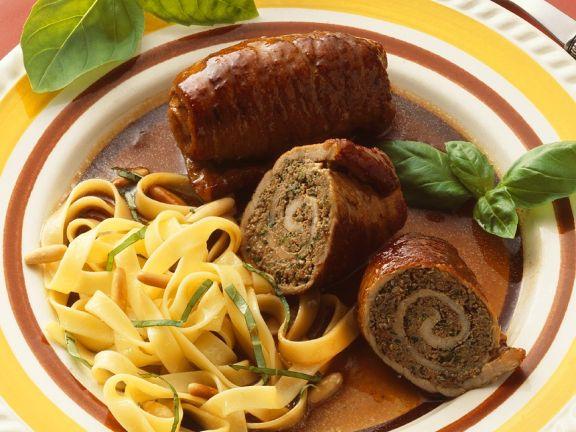 Rinder-Hackfleisch-Roulade mit Pasta