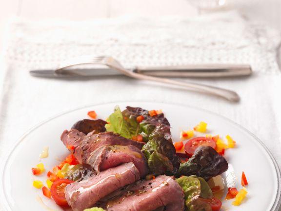 Rinderfilet auf Eichblattsalat
