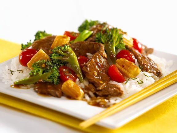 Rinderfilet mit Gemüse aus dem Wok