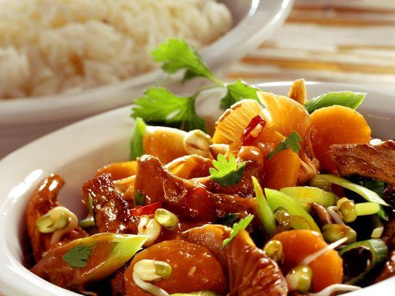 Rinderfilet mit Gemüse und Pilzen aus dem Wok