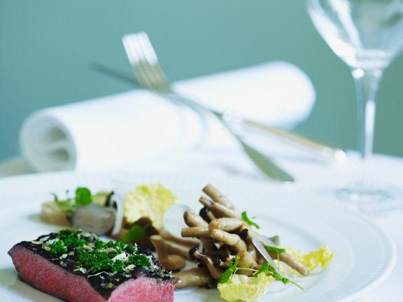 Rinderfiletssteaks mit schwarzem Trüffel und Pilzen