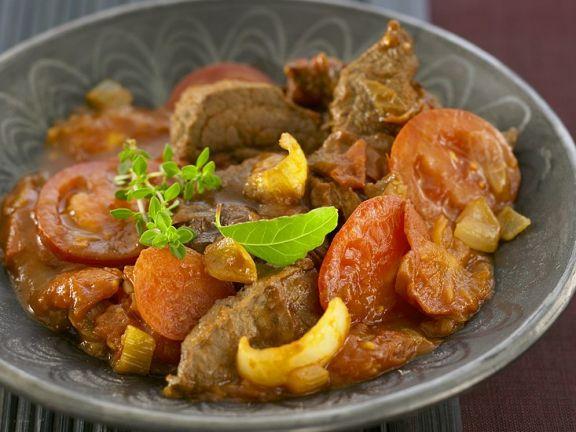 Rindergulasch mit Tomaten