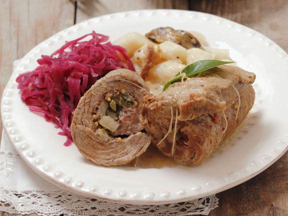 Rinderrouladen mit Kartoffelnockerl und Rotkraut