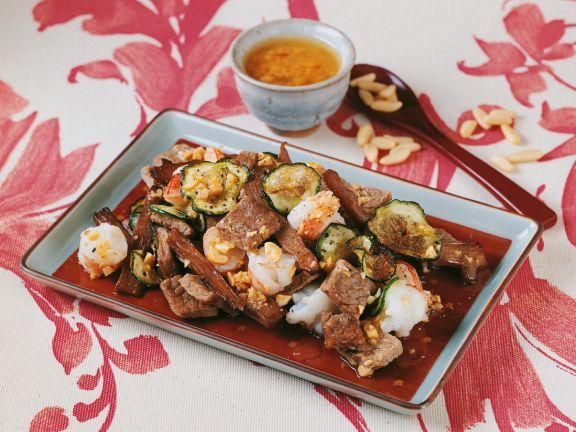 Rindfleisch mit Garnelen und Asia-Dressing