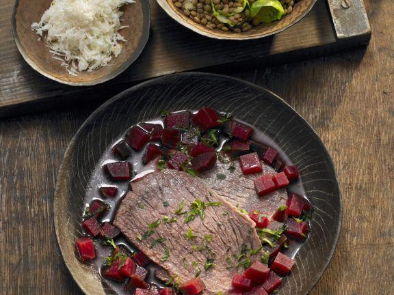 Rindfleisch mit Linsen-Rote Bete-Gemüse