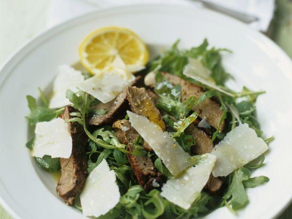 Rindfleisch-Rucolasalat mit Parmesan