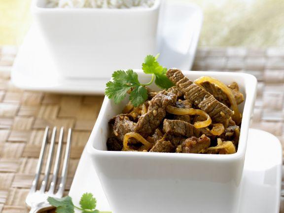 Rindfleischcurry auf indonesische Art