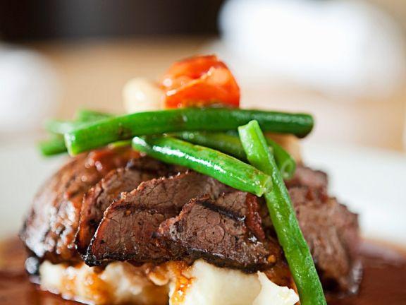 Roastbeef mit Gemüse und Püree