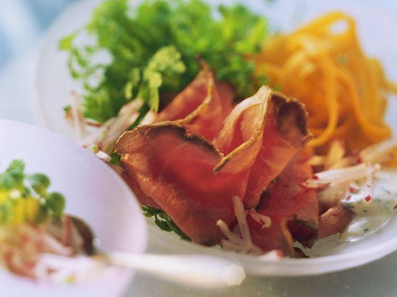 Roastbeef mit Möhren und Radieschensauce