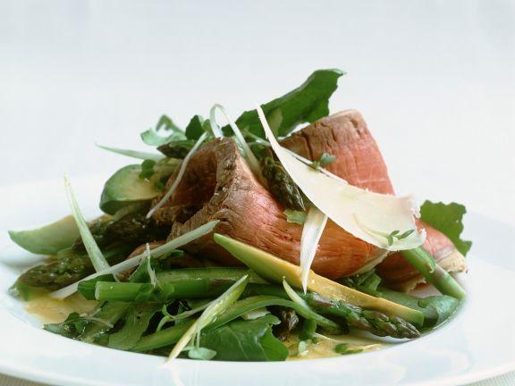 Roastbeef mit Spargel-Avocado-Salat