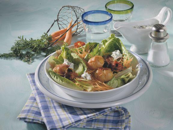 Römersalat mit Speckkartoffeln und -pflaumen