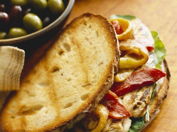 Röstbrot-Sandwich mit Paprika