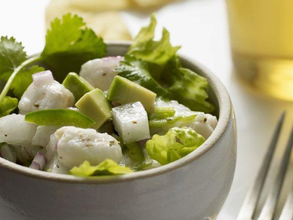 Roher Fischsalat mit Avocado