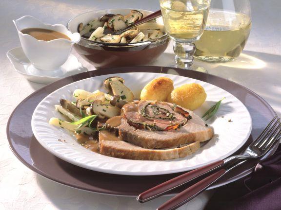 Rollbraten in Weißwein-Senf-Sauce mit Steinpilz-Schwarzwurzel-Gemüse