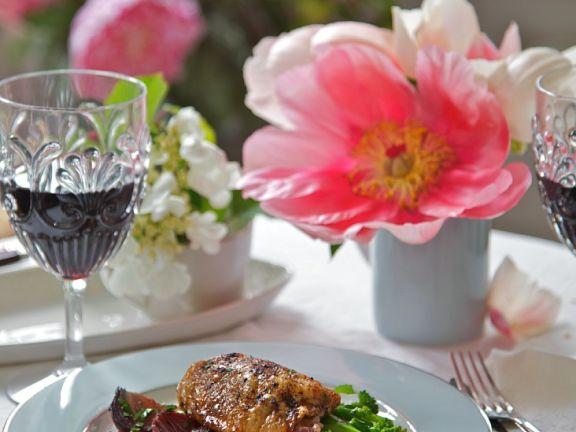 Rose Entenbrust auf Rote Bete und Brokkoli
