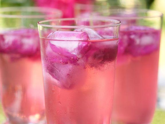 Rosenblätter-Cocktail