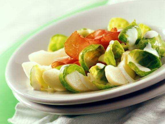 Rosenkohl-Birnen-Salat mit Edelschinken