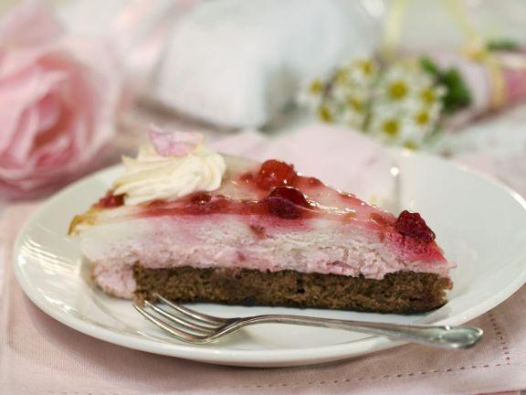 Rosenquark-Kuchen mit Schokoladenboden