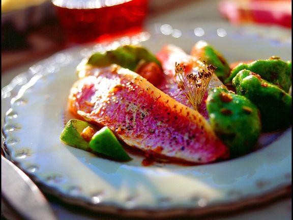 Rotbarbe mit Paprikagemüse