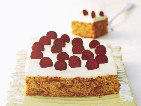 Rote-Bete-Kuchen mit Frischkäsehaube