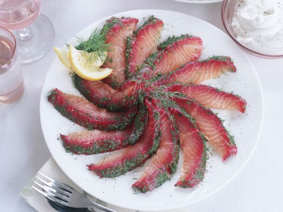 Rote-Bete-Lachs mit Dill