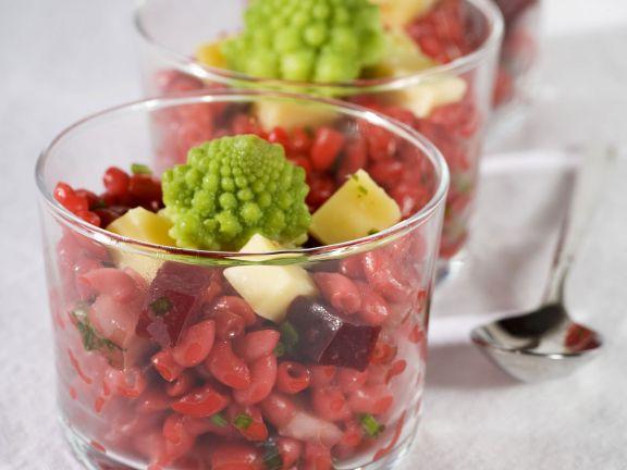 Rote-Bete-Nudel-Salat mit Romanesco