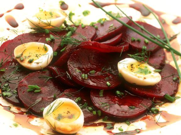 Rote Bete-Salat mit Ei