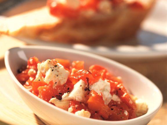 Rote Paprika mit Schafskäse