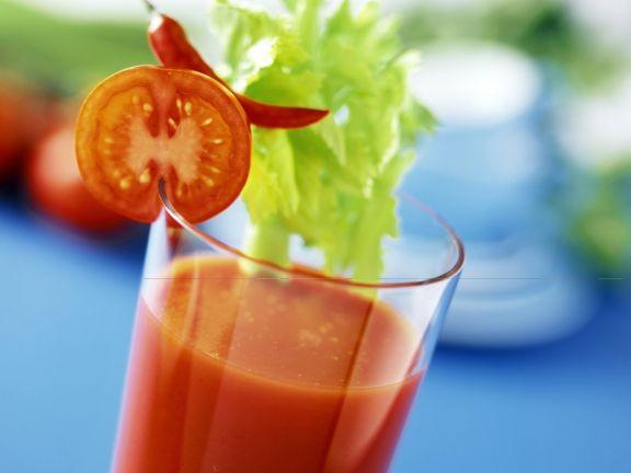 Rote Power (Tomaten-Gemüse-Shake)
