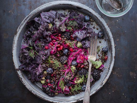 Rotkohlsalat mit Linsen und Brombeeren