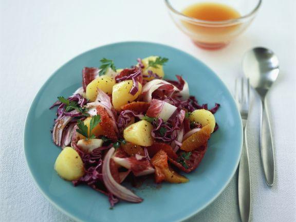 Rotkrautsalat mit Kartoffeln und Orangen