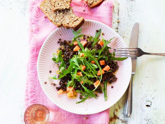 Rucola-Belugalinsen-Salat mit Papaya