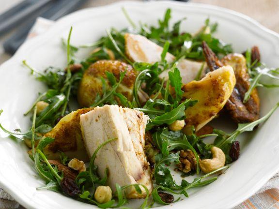 Rucolasalat mit Hähnchen und Nüssen