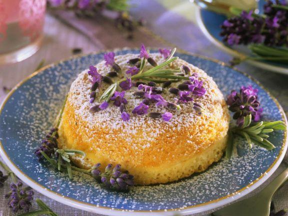 Rührkuchen mit Lavendel