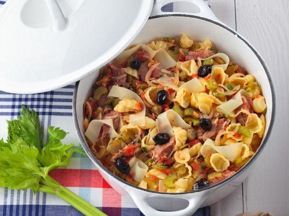 Rundfleischeintopf mit Gemüse und Nudeln