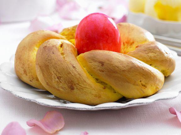 Safran-Hefezopf zu Ostern