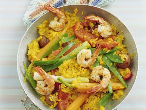 Safran-Reis mit Gemüse und Garnelen