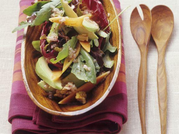 Salat mit Avocado und Papaya