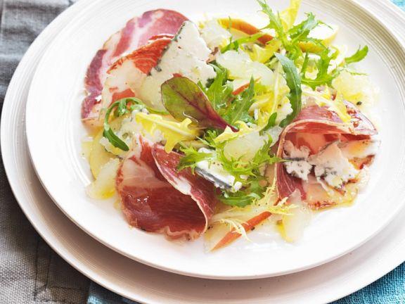 Salat mit Birne, Blauschimmelkäse und Zitronengelee