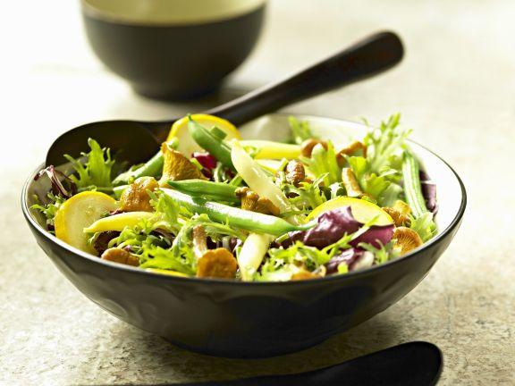 Salat mit Bohnen und Pfifferlingen